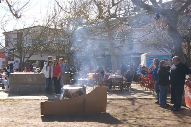 Camping-Prados-Abiertos-Gredos-Fiesta-Matanza-caldereta