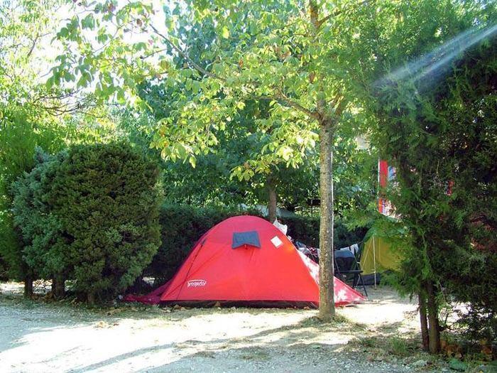 Camping-Prados-Abiertos-Gredos-zona-acampada