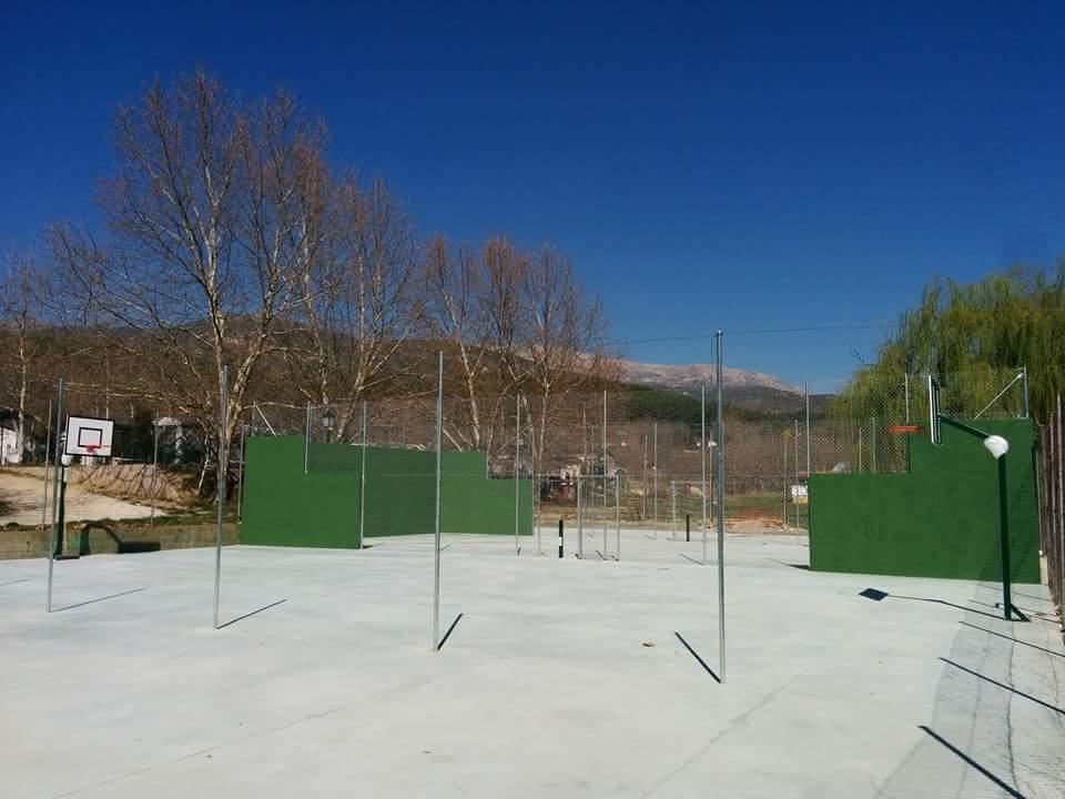 Camping-Prados-Abiertos-Gredos-tenis